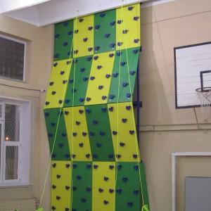 Скалодром спортивный для закрытых помещений